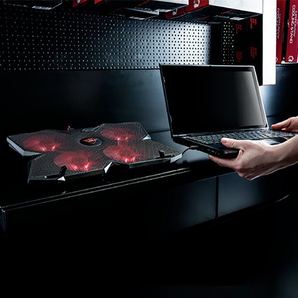 Base Refrigerante Gamer Trust Gxt 278 Yozu 4 Ventiladores