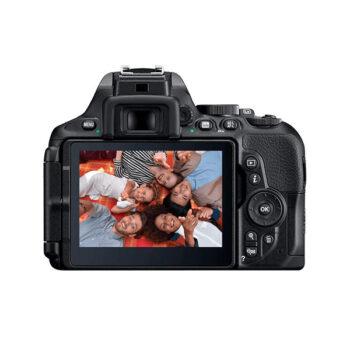 Cámara Nikon D5600 + Micro SD Sandisk
